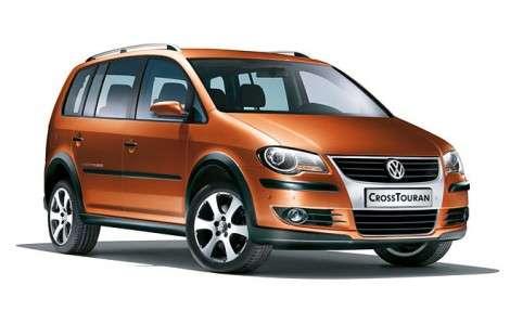Внедорожную версию Volkswagen Touran назовут CrossTouran