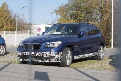 «Заряженную» версию BMW X1 М застали на дороге
