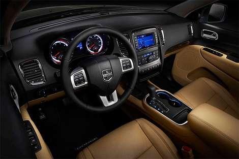 Компания Dodge представила фотографию интерьера внедорожника Durango