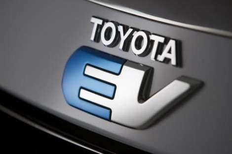 Toyota начинает разогревать публику