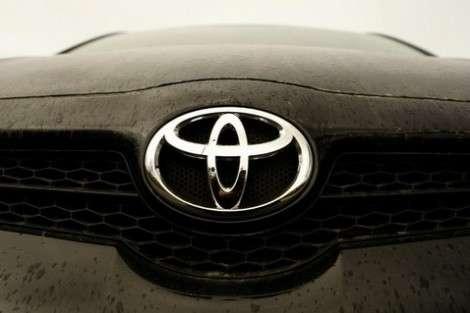 Toyota отзывает RAV4