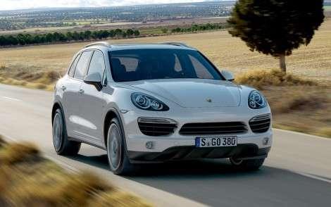 Porsche Cayenne добавят мощности и экономичности