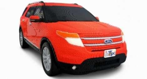 Ford Explorer из Lego в натуральную величину