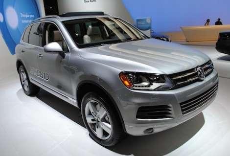 Volkswagen приступил к продажам гибридного Touareg в России