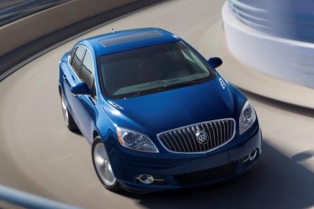 2013-Buick-Verano-Turbo-024