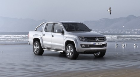 Amarok-Highline-beach