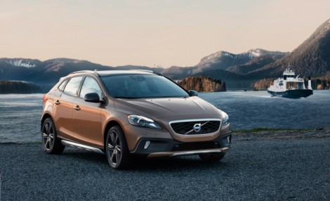 2013-Volvo-V40-Cross-Country-T5-AWD-placement-626x382