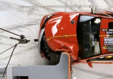 2012-IIHS-Small-Overlap-Frontal-Crash-Test