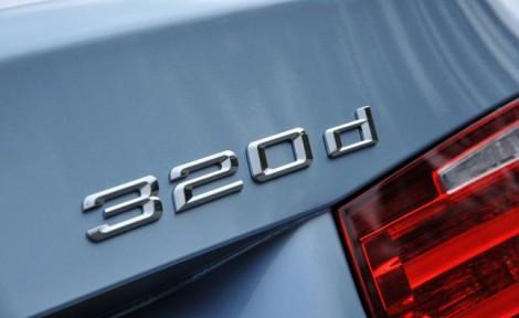 bmw-320d-badge