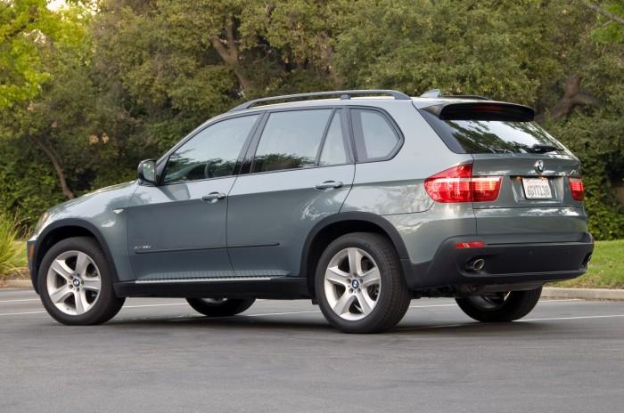 BMW отзывает внедорожники X5 2009-2012