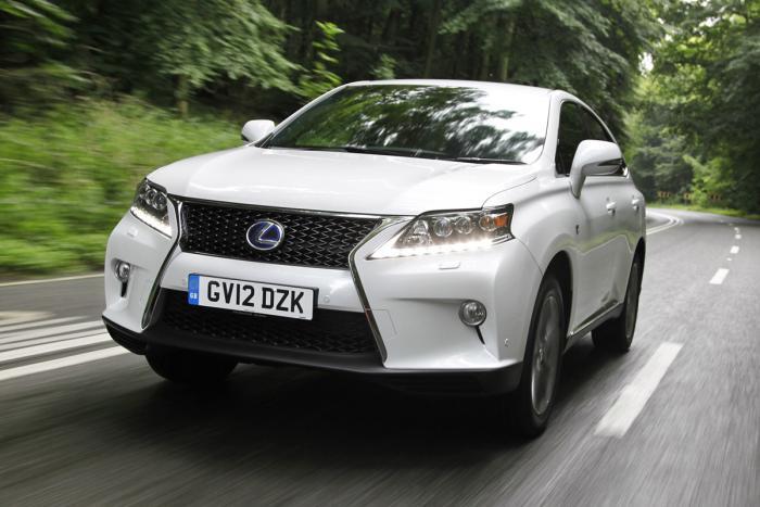 Продажи гибридов Lexus существенно возросли