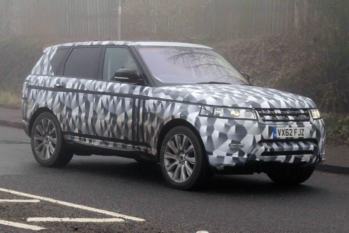 Новый Range Rover Sport запечатлен фотографами