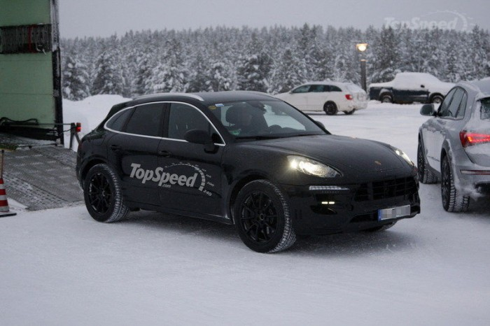 Зимние испытания Porsche Macan