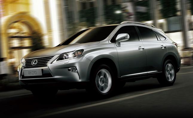 Lexus не торопится продавать Sub-RX в США