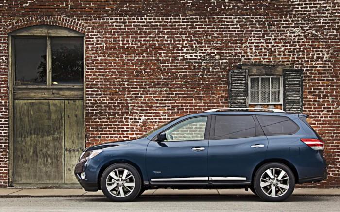 Гибридный 2014 Nissan Pathfinder