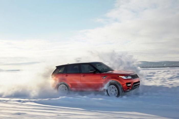 Новый Range Rover Sport в снегах