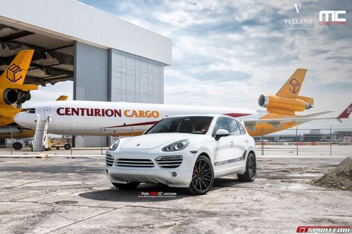 Белый Porsche Cayenne S