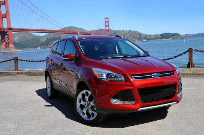 Американский кроссовер Ford Escape 2013