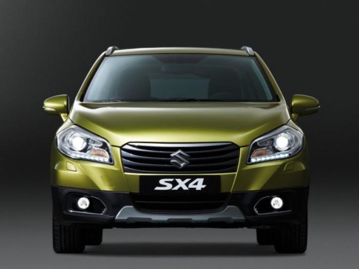 Кроссовер Suzuki SX4 2013
