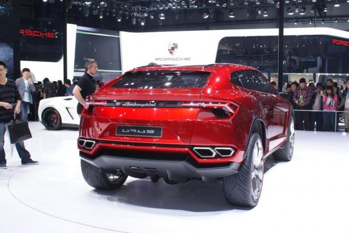 ??????? Lamborghini Urus ?? ???????? ? ??????