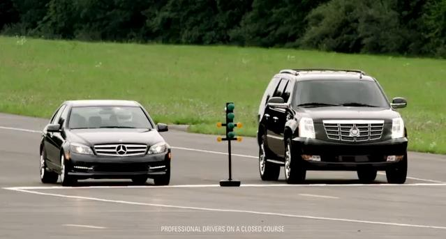 2011 Mercedes C300  против 2011 Cadillac Escalade