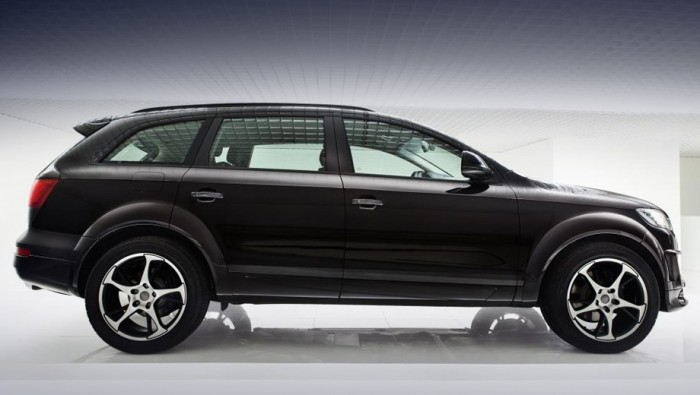 Audi Q7 Sport quattro в профиль