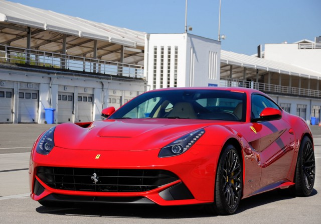 Суперкар Ferrari