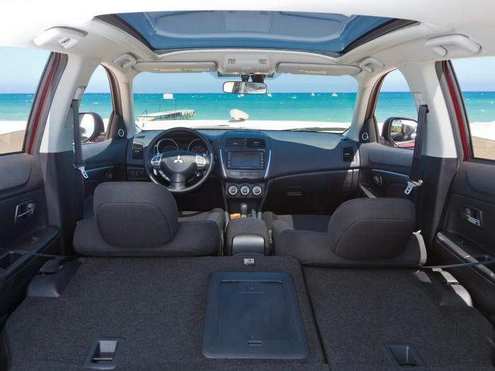 2011-Mitsubishi-Outlander-Sport-Interior-View