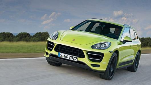 Porsche Macan на дороге