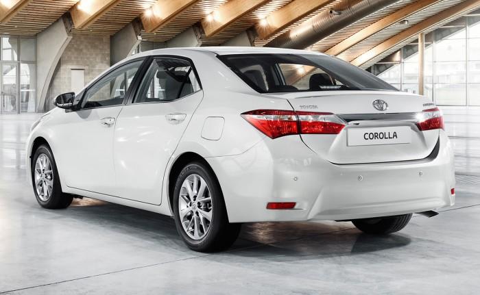 Corolla 2014 сзади