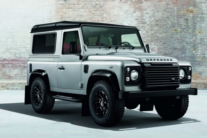 Land-Rover-Defender-Black-Silver-1