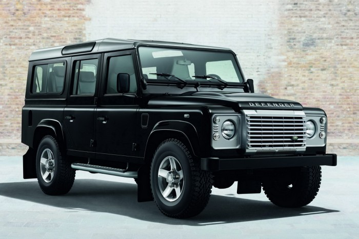 Land-Rover-Defender-Black-Silver-3