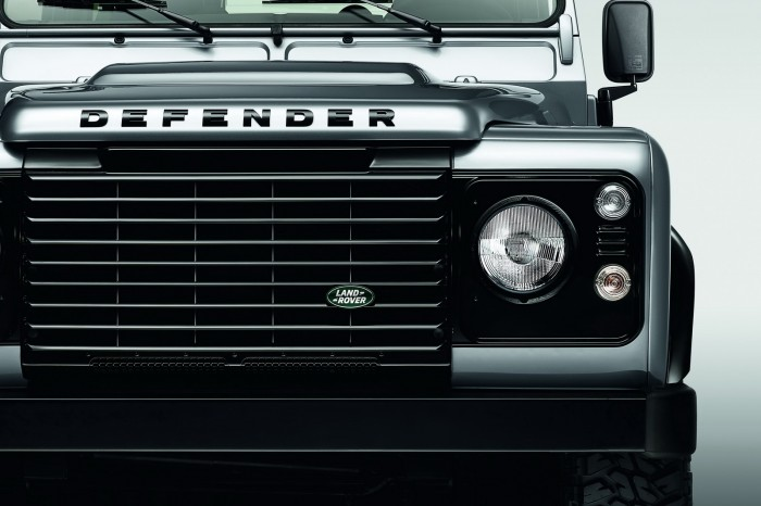 Land-Rover-Defender-Black-Silver-4