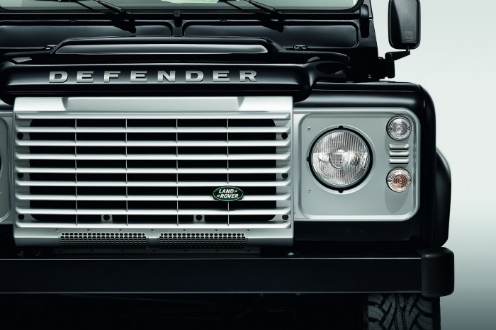 Land-Rover-Defender-Black-Silver-5