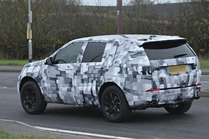 Land-Rover-Discovery-Sport-3