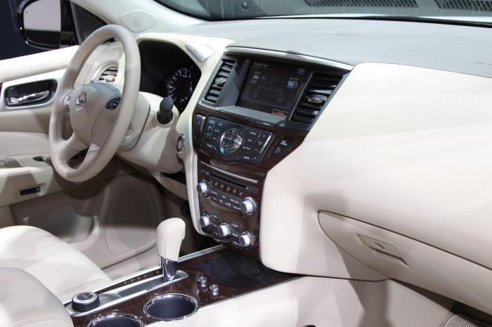Nissan-Pathfinder-12