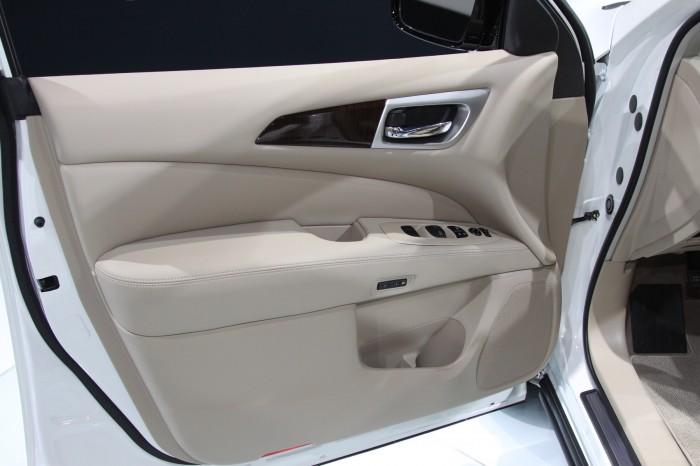 Nissan-Pathfinder-13