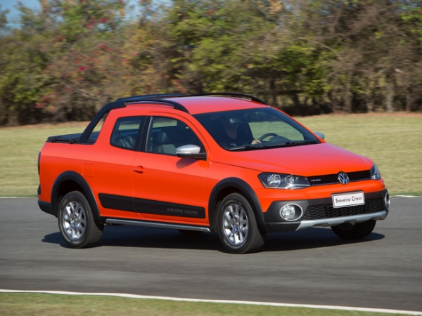 Volkswagen_Saveiro_Doble_Cabina_1_w600_h700