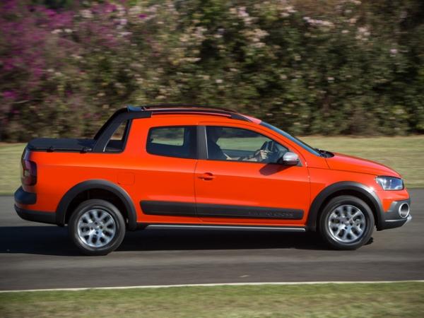Volkswagen_Saveiro_Doble_Cabina_3_w600_h700