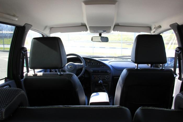 с пассажирского сиденья