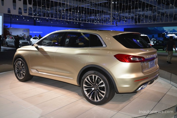 Lincoln-MKX-01