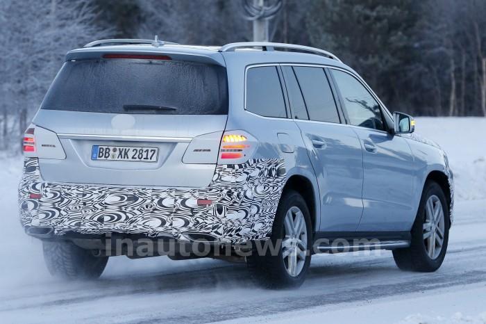 Spied-2017-Mercedes-GLS-Facelift-007
