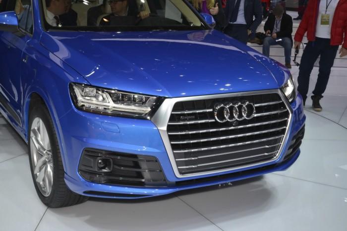 2016-Audi-Q7-13