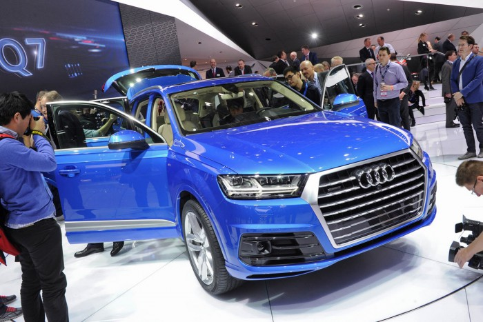 2016-Audi-Q7-17