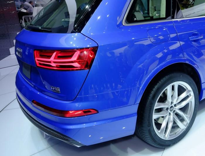 2016-Audi-Q7-19
