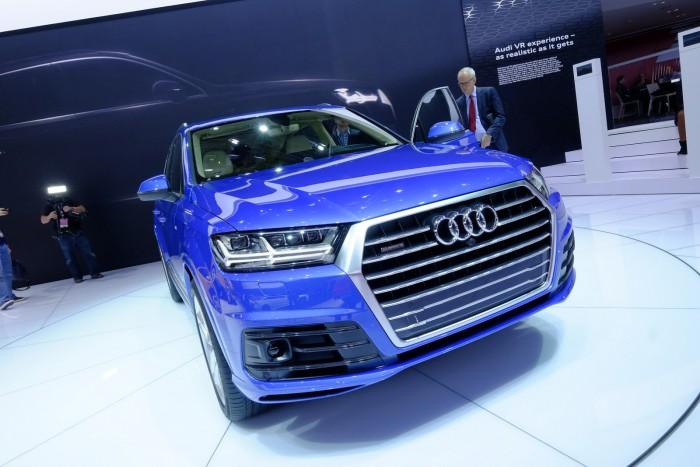 2016-Audi-Q7-2