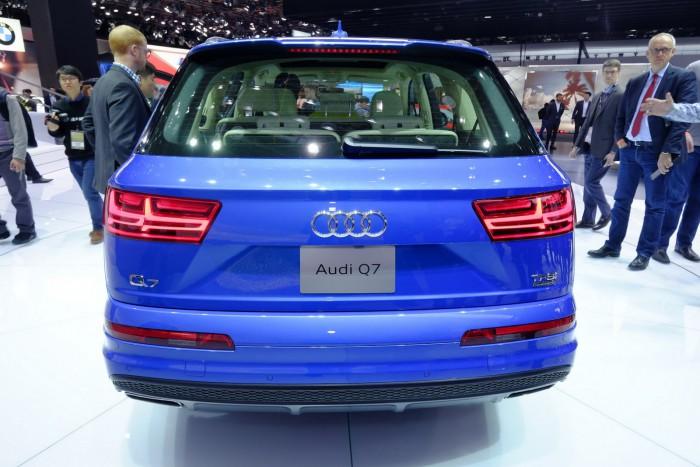 2016-Audi-Q7-5