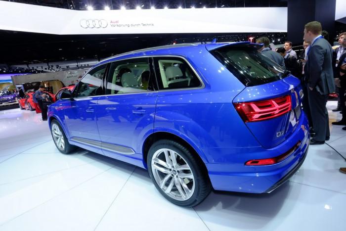 2016-Audi-Q7-6