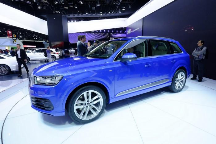 2016-Audi-Q7-7
