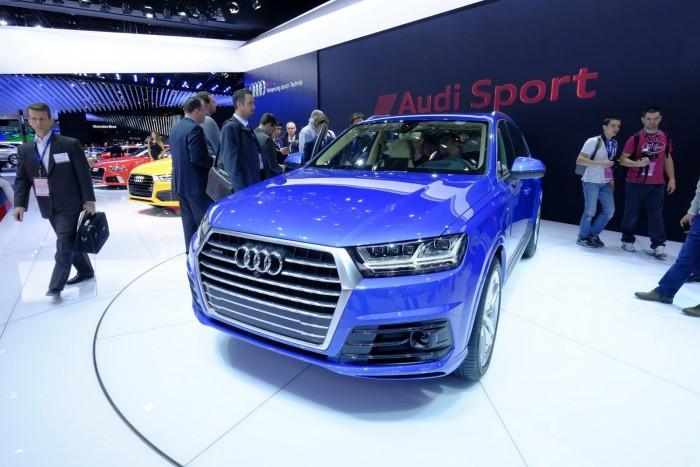 2016-Audi-Q7-8